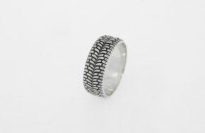 Серебряное кольцо Шина