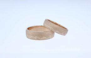 Обручальные кольца с внешней гравировкой