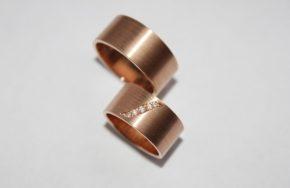 Широкие обручальные кольца с плоским профилем
