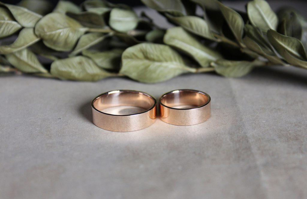 Обручальные кольца с прямым профилем