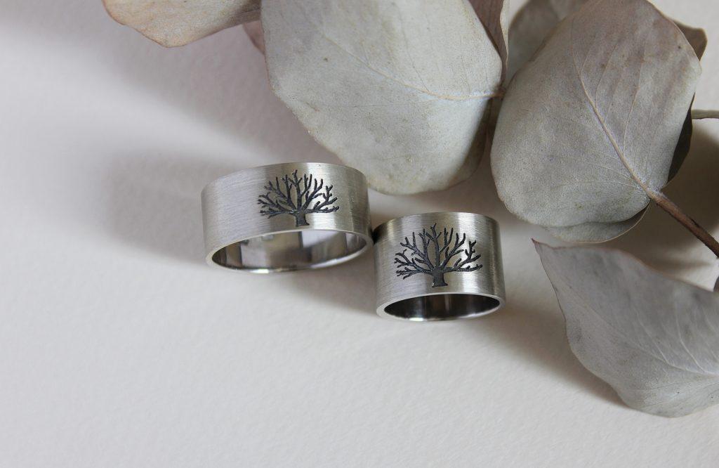Обручальные кольца с деревьями